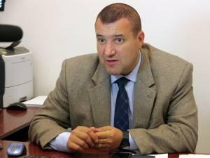 Unul dintre martorii din dosar este comisarul-șef Radu-Ionuț Obreja, pus sub acuzare pentru șpăgi amețitoare, într-un carusel infracțional în care se învârteau milioane de euro