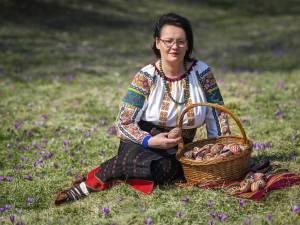 Meșterul popular Elena Torac din Brodina, de patru decenii în slujba tradiției autentice