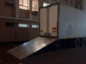 Tir frigorific pentru decedați, lângă Morga Spitalului Județean de Urgenaţă Suceava