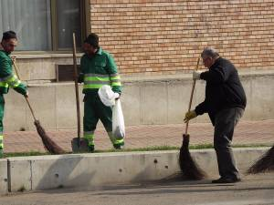 Primarul Sucevei va ieși să măture pe străzi, la fel ca în ultimii 16 ani