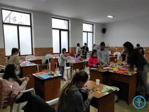 Atelier de mărţişoare pentru copii din Fălticeni