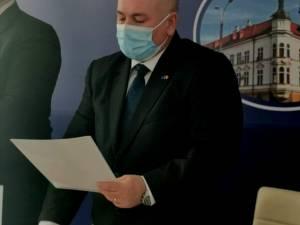 Noul prefect Iulian Cimpoeșu a depus joi jurământul
