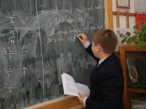 """3.292 de elevi suceveni, din 62 de unități de învățământ, s-au înscris la orele remediale din programul """"Școala după școală"""""""