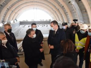 Vizita ministrului Attila Cseke la bazinul didactic de înot de la Rădăuți