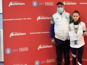 Antrenorul Cristian Prâsneac alături de Denisa Kore