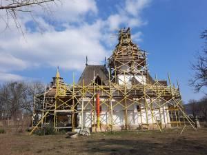 Biserica restaurată va fi punctul central al obștii de maici