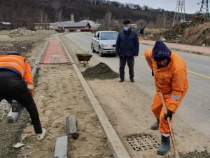 Primarul Ion Lungu a verificat stadiul lucrărilor la Ruta alternativă, unde se lucrează la trotuare și la Podul de peste Pârâul Cetății