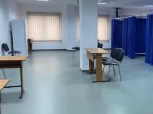Centrul de vaccinare amenajat de municipalitate la Iulius Mall Suceava, unde se administreaza vaccinul Moderna
