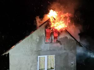 Incendiu de la coșul de fum deteriorat