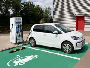 Șapte noi stații de încărcare pentru automobilele electrice vor fi montate în cinci locații din Suceava