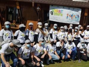 Ateliere de artă tradițională și antreprenoriat pentru 60 de liceeni din Cernăuți și Dolhasca