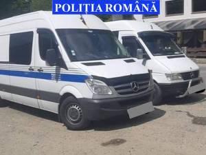 Microbuze indisponibilizate de polițiști