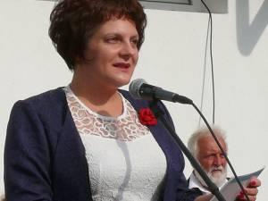 Prof. Claudia Suseanu