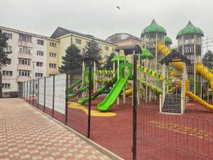 Locurile de joacă, redeschise în municipiul Suceava