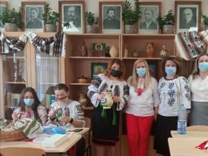 Obiceiurile din Bucovina, promovate internațional cu sprijinul elevilor și profesorilor de la Școala Gimnazială Nr. 1 Suceava