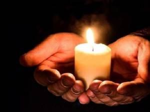 Credincioșii ortodocși din județ vor primi în noaptea de Paște Lumina Sfântă de la Ierusalim
