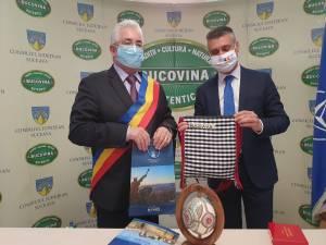 Primarul Sucevei, Ion Lungu, împreună cu ambasadorul Israelului în România, David Saranga