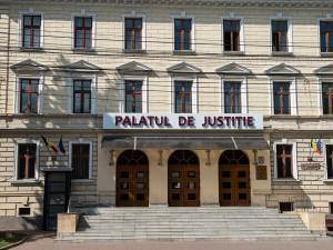 Tată și fiică, prinși la furat în case din Suceava, condamnați la câte 4 ani de închisoare