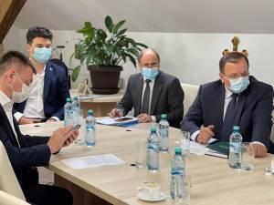 """Flutur și Gheorghiu doresc implementarea în județul Suceava a proiectului """"Citește-mi 100 de povești"""""""