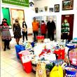 """160 de bătrâni din Centrul Social Bogdănești au primit daruri din partea elevilor de la Școala Gimnazială """"Bogdan Vodă"""
