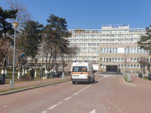 Tânărul a fost transferat ulterior la Spitalul Județean Suceava