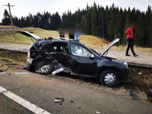 Două mașini s-au ciocnit violent, sâmbătă dimineață, pe DN 17 2