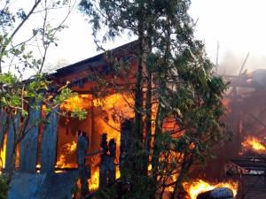 incendiu fratauti