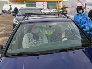 Vaccinare in masina, la centrul de la Shopping City Suceava