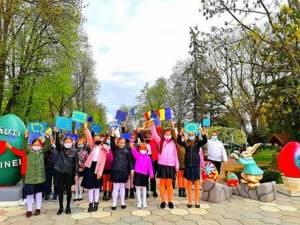 """Elevii Școlii Gimnaziale Nr. 5 """"Bogdan Vodă"""" Rădăuți au sărbătorit Ziua Europei"""