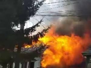 Incendiul de la Voivodeasa a lăsat dezastru în urmă: cinci gospodării afectate, din care patru grav