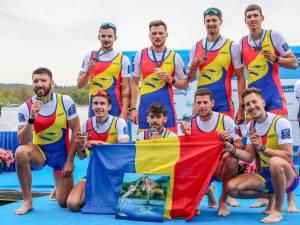 Florin Arteni-Fintinariu este sportivul înalt, primul din dreapta
