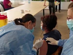 Caravana de vaccinare va fi miercuri la Dornești, Frătăuții Noi, Frătăuții Vechi, Măneuți și Gălănești