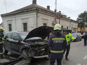 Un rănit după o ciocnire între un Audi Q7 și un VW Passat
