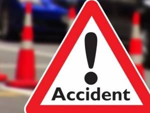 Patru răniți, după ce mașina condusă de un șofer beat s-a răsturnat pe o distanță de 60 de metri