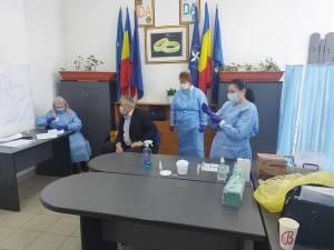 Vaccinarea primarului Gheorghe Luţă
