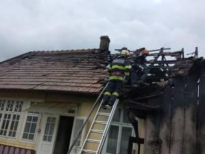 Bărbat de 60 de ani, găsit mort în locuința care i-a luat foc