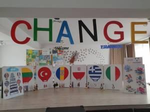 Elevi şi profesori din şase țări s-au întâlnit virtual în cadrul unui proiect Erasmus