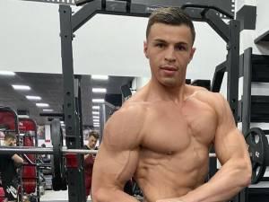 Sebastian Polocoşer a lăsat handbalul pentru culturism