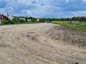 Primarul din Dornești vrea să plătească 600.000 de euro pentru asfaltarea a 500 de metri de drum