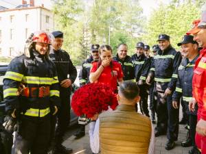 """Paula, paramedic SMURD, cerută în căsătorie de """"victima"""" unui accident, chiar de ziua ei"""