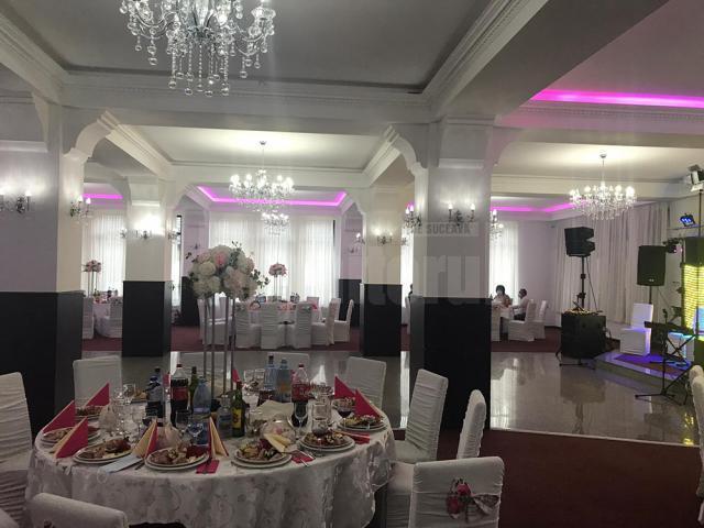 Nunți în spații închise cu 200 de oaspeți, dacă toți sunt vaccinați, testați sau au avut Covid
