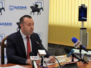 """""""Avem 15 astfel de aparaturi achiziționate, iar pontajul se va face pe card RFID și cu recunoaștere facială"""", a anunțat viceprimarul Lucian Harșovschi"""