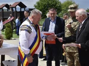 """Primarului Gheorghe Fron i-a fost acordată o """"diplomă de excelență"""" pentru sprijinul acordat Asociației Cultul Eroilor"""