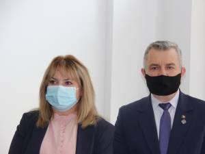 Preşedintele Senatului, Anca Dragu, şi senatorul USR PLUS de Suceava, Gheorghiţă Mîndruță
