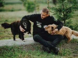 Ștefan Mandachi, apărător al drepturilor animalelor, a câştigat în instanță, în procesul intentat statului român