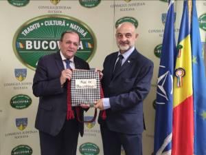 Preşedintele CJ Suceava, Gheorghe Flutur, s-a întâlnit cu ambasadorul Poloniei în România, ES Maciej Lang