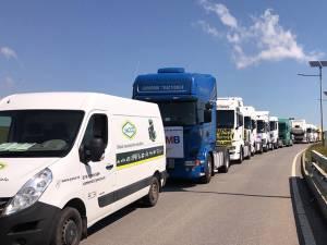 Peste 100 de transportatori suceveni au protestat, vineri, împotriva impozitării retroactive a diurnei