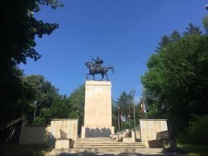 Statuia lui Ștefan cel Mare din Parcul Șipote – Cetate