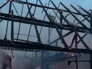 Dezastrul rămas după incendiu