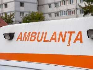 Un bărbat a suferit arsuri serioase după ce hainele i s-au aprins în timp ce făcea focul